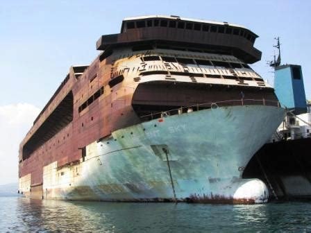 ShipRecycling:: Uncompleted Cruise Ship Regency Sky ( Zoe