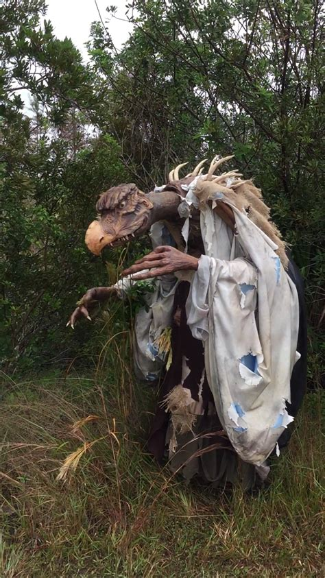 Life-Size Skeksis Costume Delivers an Intimidating Aura