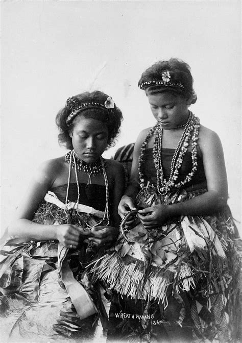 File:Samoan women in traditional clothing, making wreaths