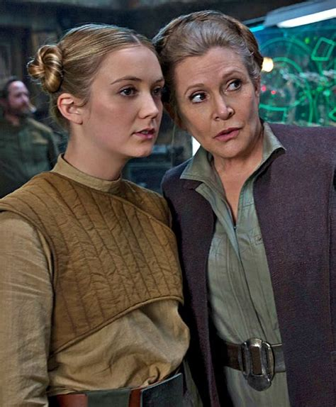 Lieutenant Connix and General Organa (Billie Lourd and
