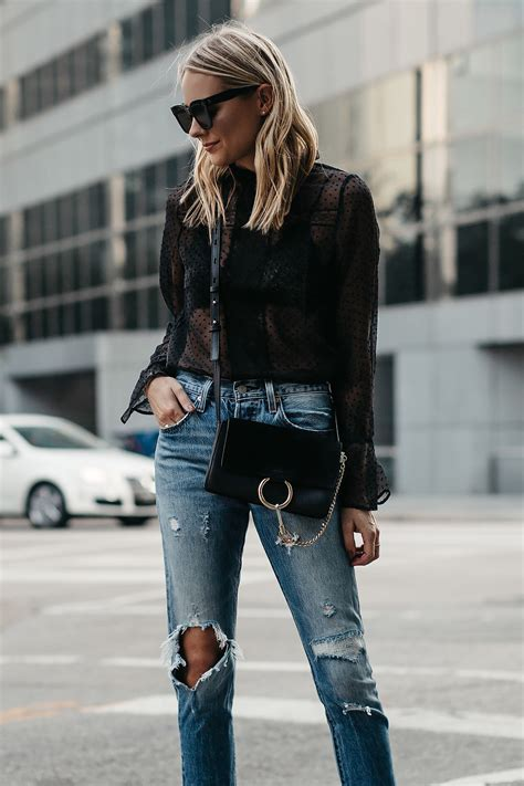 A CASUAL WAY TO WEAR A BLACK LACE TOP | Fashion Jackson