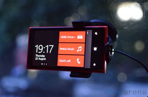 Nokia CR-200 Wireless Car Charger Review | Best technology