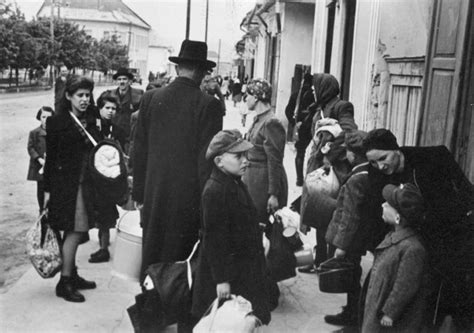Deportations   Bratislava During the Holocaust   The Story