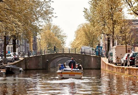 Amsterdam Canal Cruise - 100 Highlights   Stromma