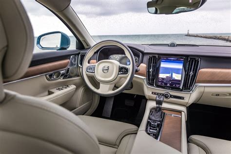 Volvo Car USA Upgrades S90 For 2018 Model Year, More